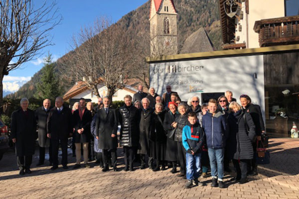 Malteser Tirol Ausflug Maria Trens Adventsauflug Delegation Bozen Tirol Veranstaltung